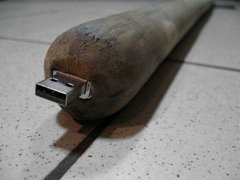 Самая необычная самодельная USB-флешка