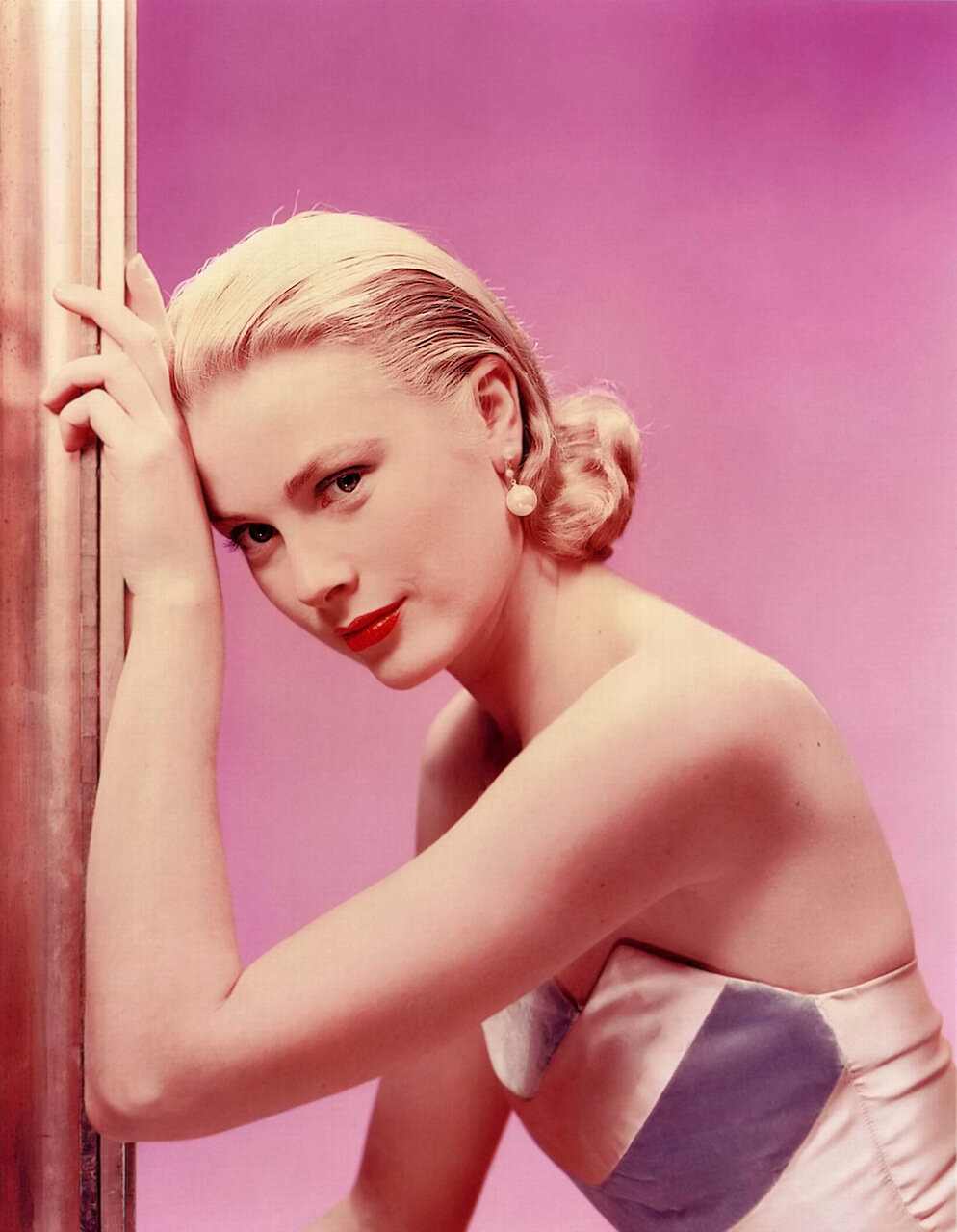 grace kelly 1952 - by erwin blumenfeld