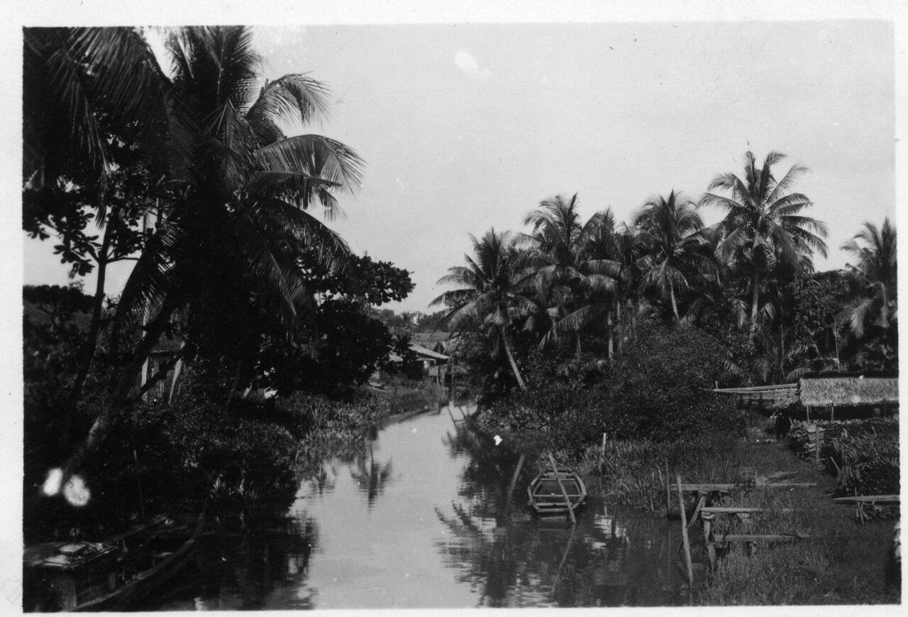 На реке Сайгон