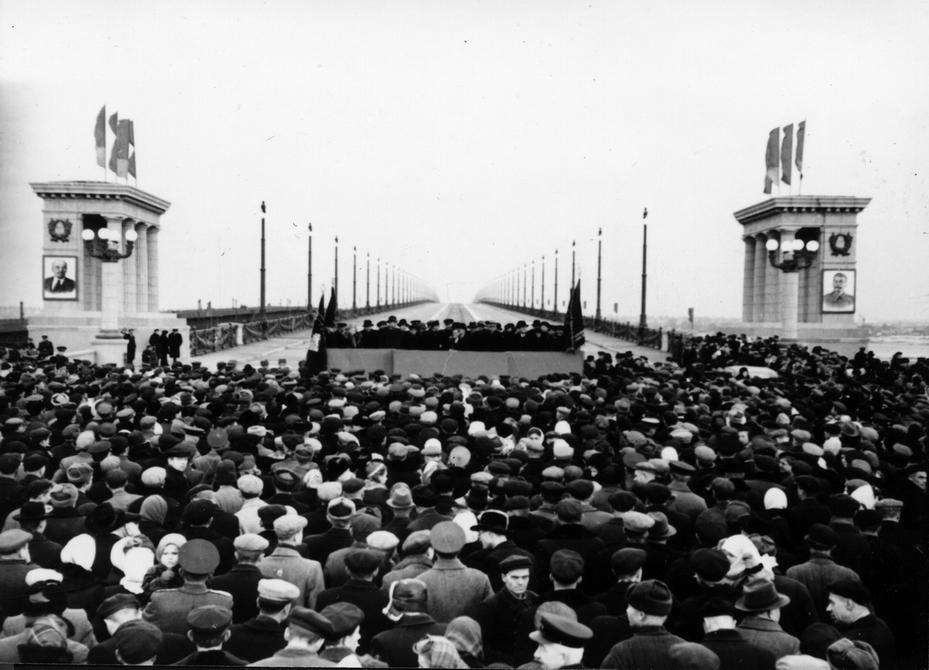 1953.11.05. Митинг трудящихся Киева, посвященный открытию моста им. Е.О.Патона