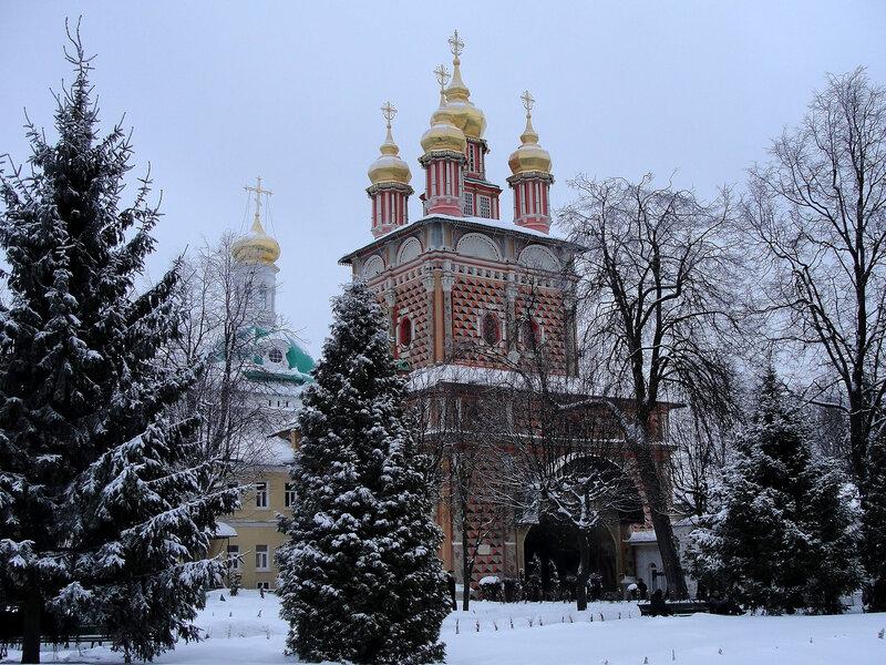 Церковь Рождества Иоанна Предтечи в Троице-Сергиевой лавре.jpg