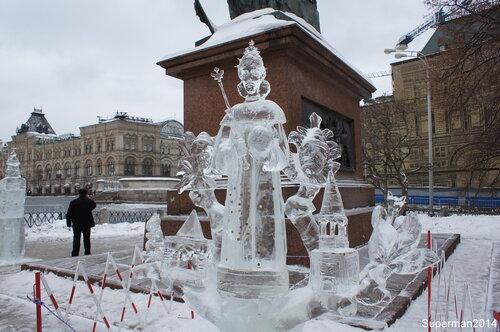 Выставка ледяных скульптур у Собора василия блаженного