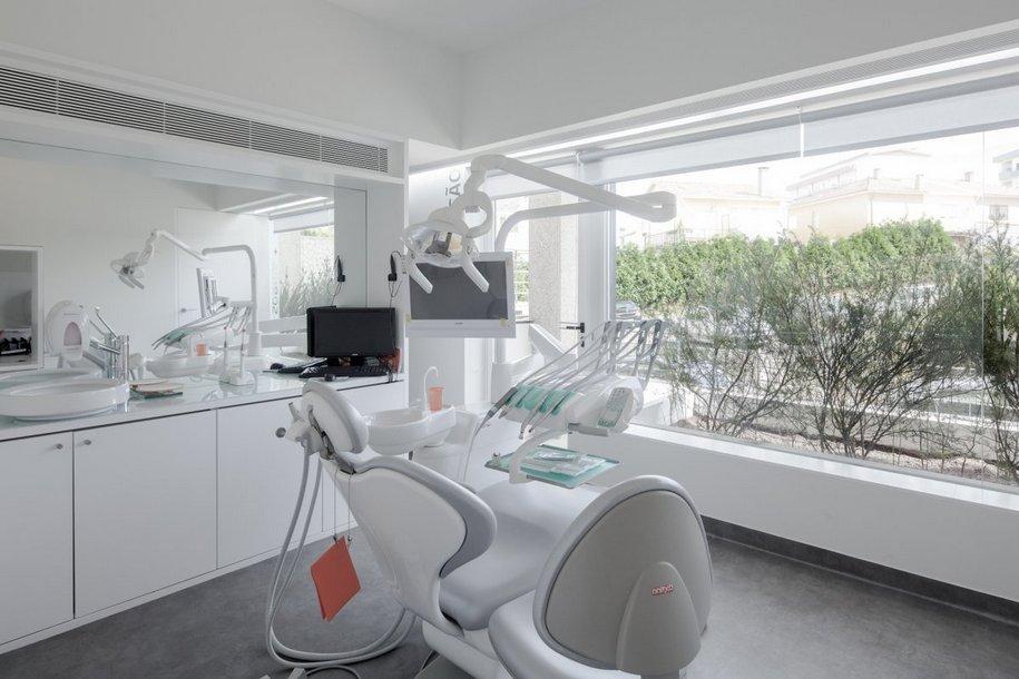 Стоматологическая клиника в Португалии от Paulo Merlini