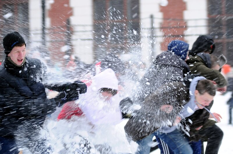 Снежная битва в саду им. Баумана