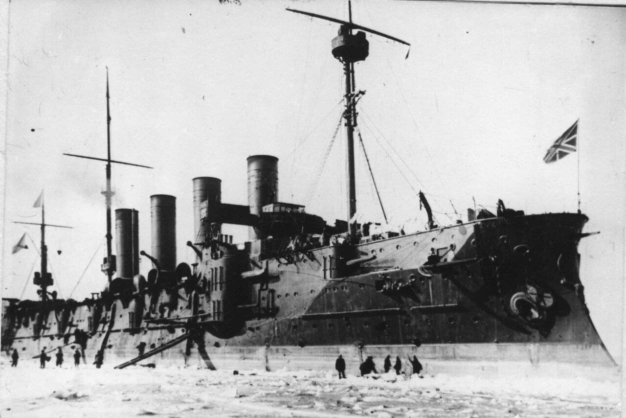 Броненосный крейсер Громобой во Владивостоке, зима 1903-1904 годов.