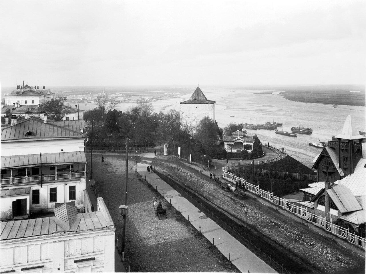 Вид с колокольни Георгиевской церкви.