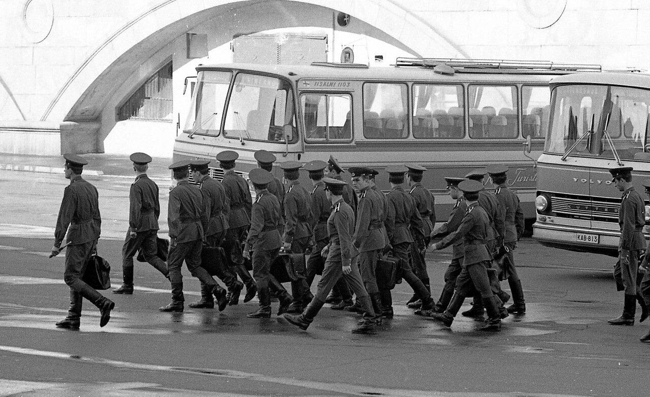Солдаты. Москва
