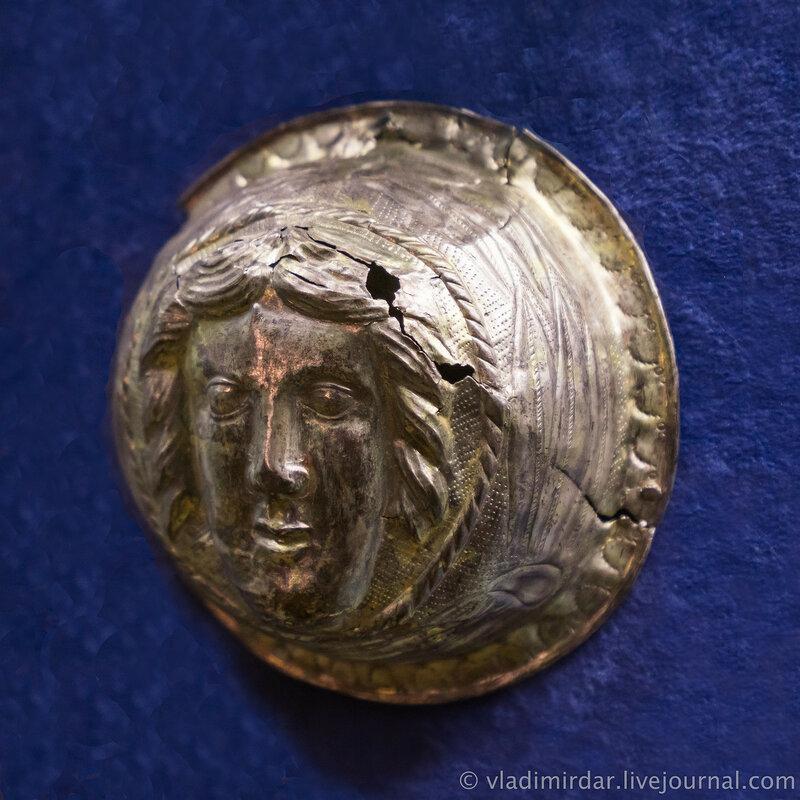 Фалар с изображением мужского лика. Серебро, позолота. Первая половина I в. до н.э. г. Кореневск.