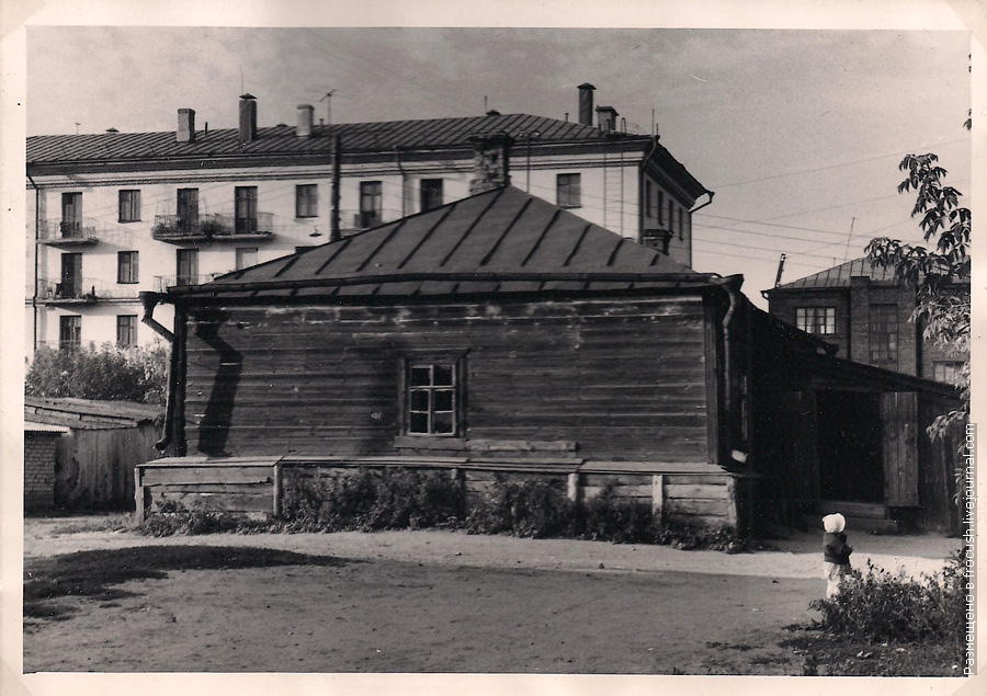 Дом в Казани фотография 1965 года Слобода Восстания, ул.Деловая, 5б, кв.2