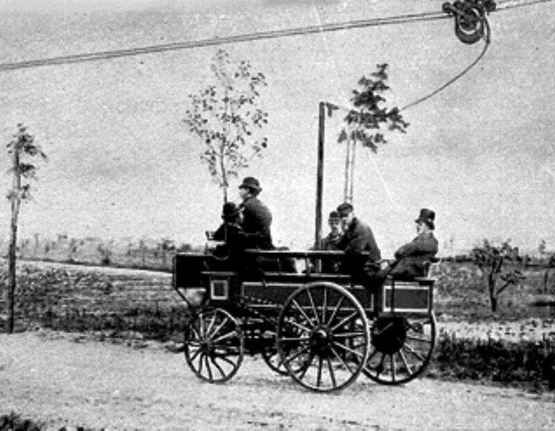 1882 Elektromote the world first trolleybus in Berlin.jpg