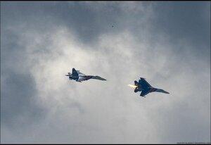 В Венесуэле столкнулись два боевых самолета, летчик погиб, население – нет