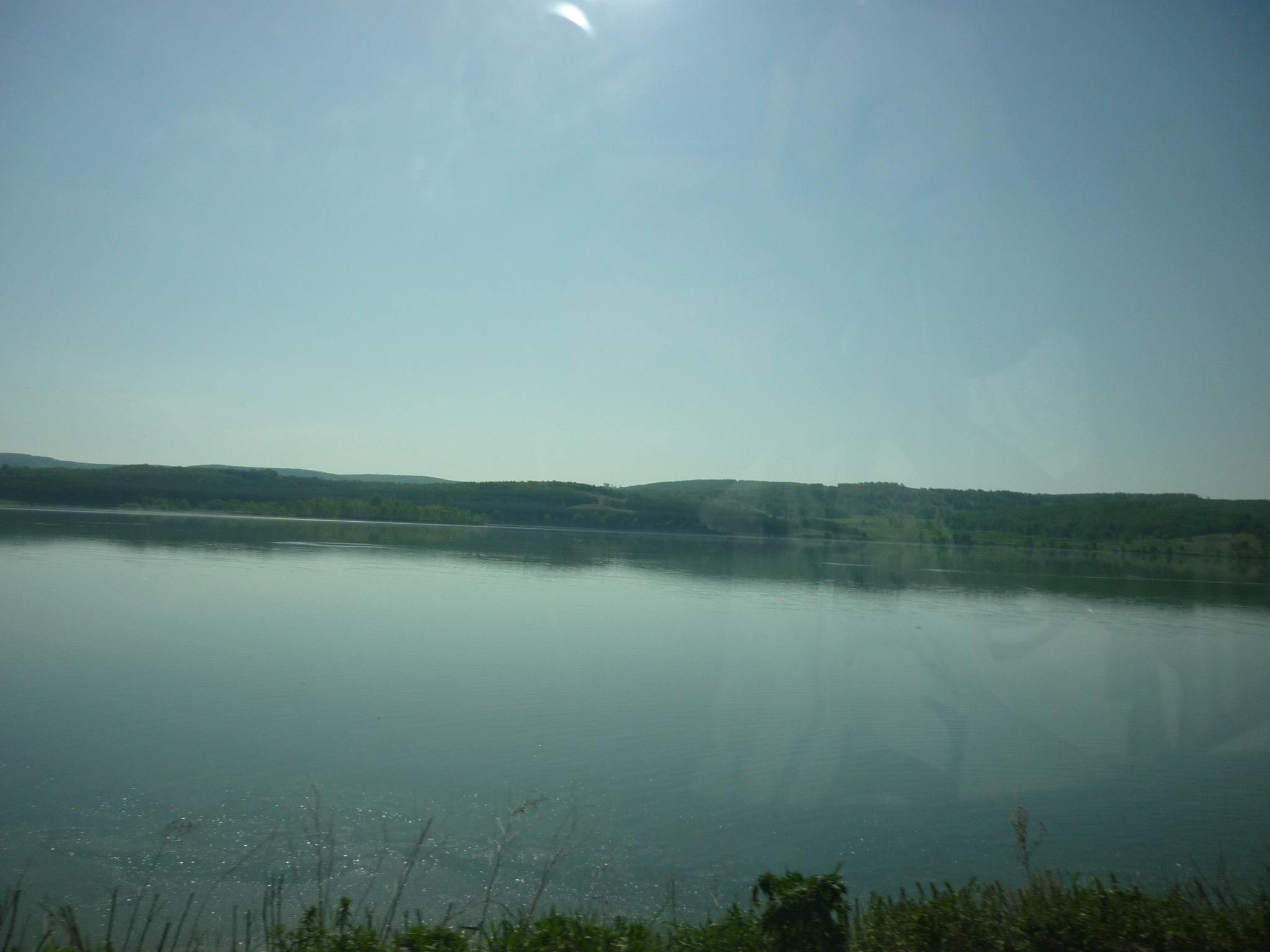 Вид на озеро Аушкуль из машины (03.07.2015)
