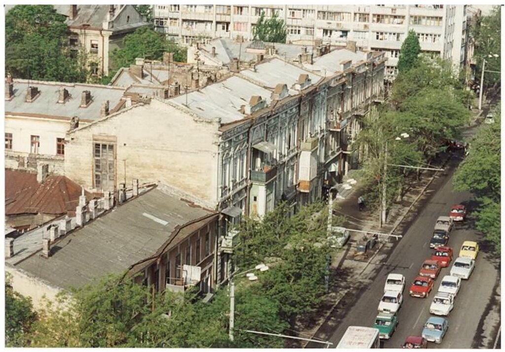 0_77494_65ec9c7b_XXL Архивные снимки: Японский турист запечатлел Одессу 1996-го года