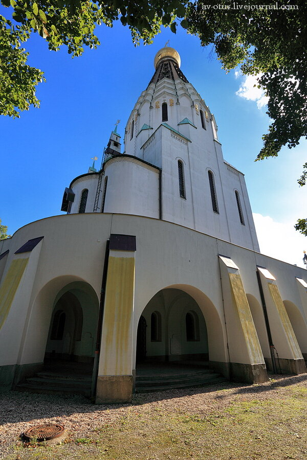 Прямоугольный вертикальный памятник Чердынь Резные памятники Таганрог