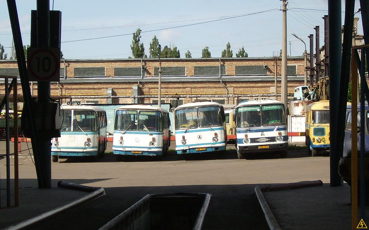 Автобусный парк №4 (ныне - недействующий), июнь 2009 г.