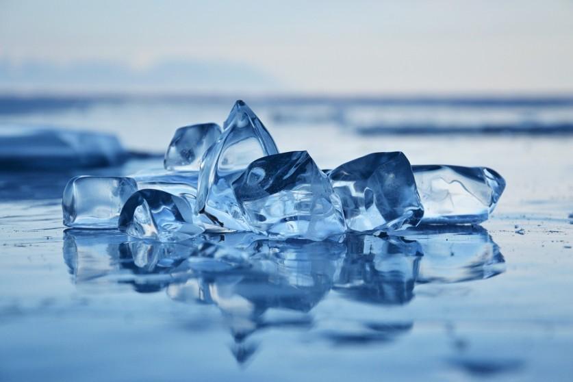 Фото: Катерина Сипаева «Чистый байкальский лед»