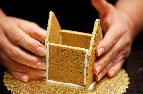 Как сделать домик из печенья 3