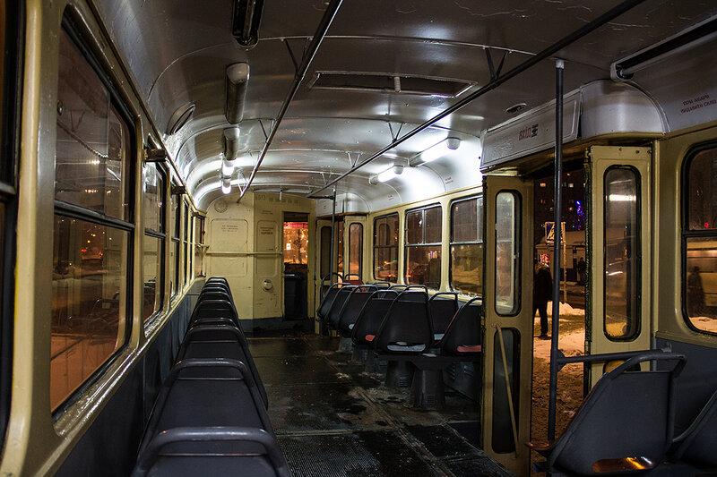 работают трамвайные поезда