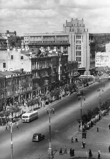 1949. Уцелевший до наших дней квартал Хрещатика
