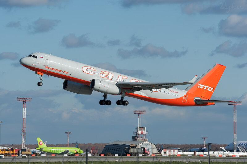 Туполев Ту-204-100C (RA-64021) Aviastar-Tu DSC6968