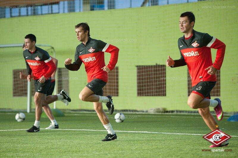 «Спартак» тренировался в манеже Сокольников (Фото)