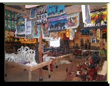 Кения. Сувенироный магазин по дороге на озеро Накуру