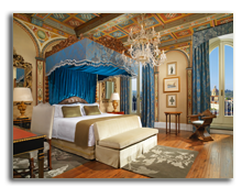 Италия. Флоренция. The St. Regis Florence. Royal Suite Gioconda Master Bedroom