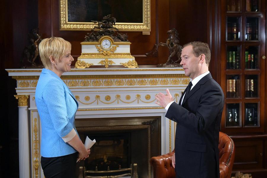 Медведев, интервью РТВ Словении 24.07.15.png