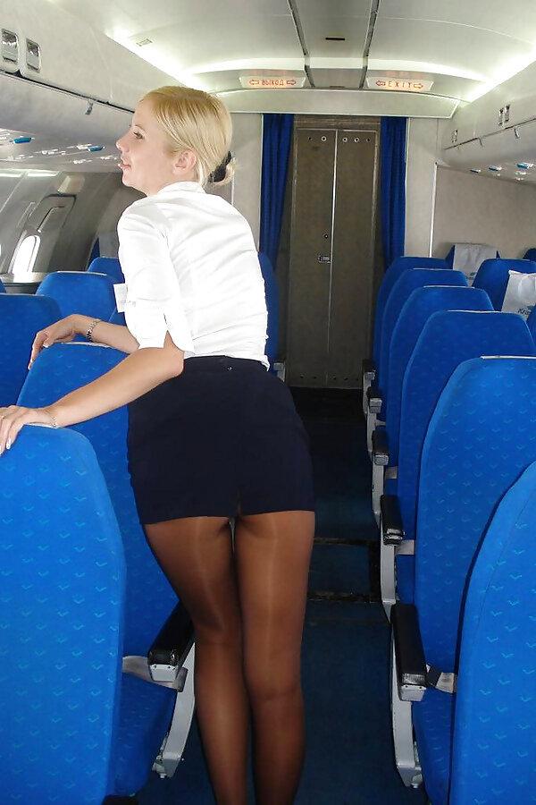 Подглядывание в борту самолете стюардессе, моды для секс виллы