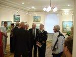 Члены ВМС на выставке живописи кап.3 р.Л. Юдникова .JPG