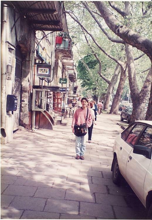 0_7749f_d4cc8238_XL Архивные снимки: Японский турист запечатлел Одессу 1996-го года