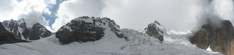 Ледопады ледника Каратор.
