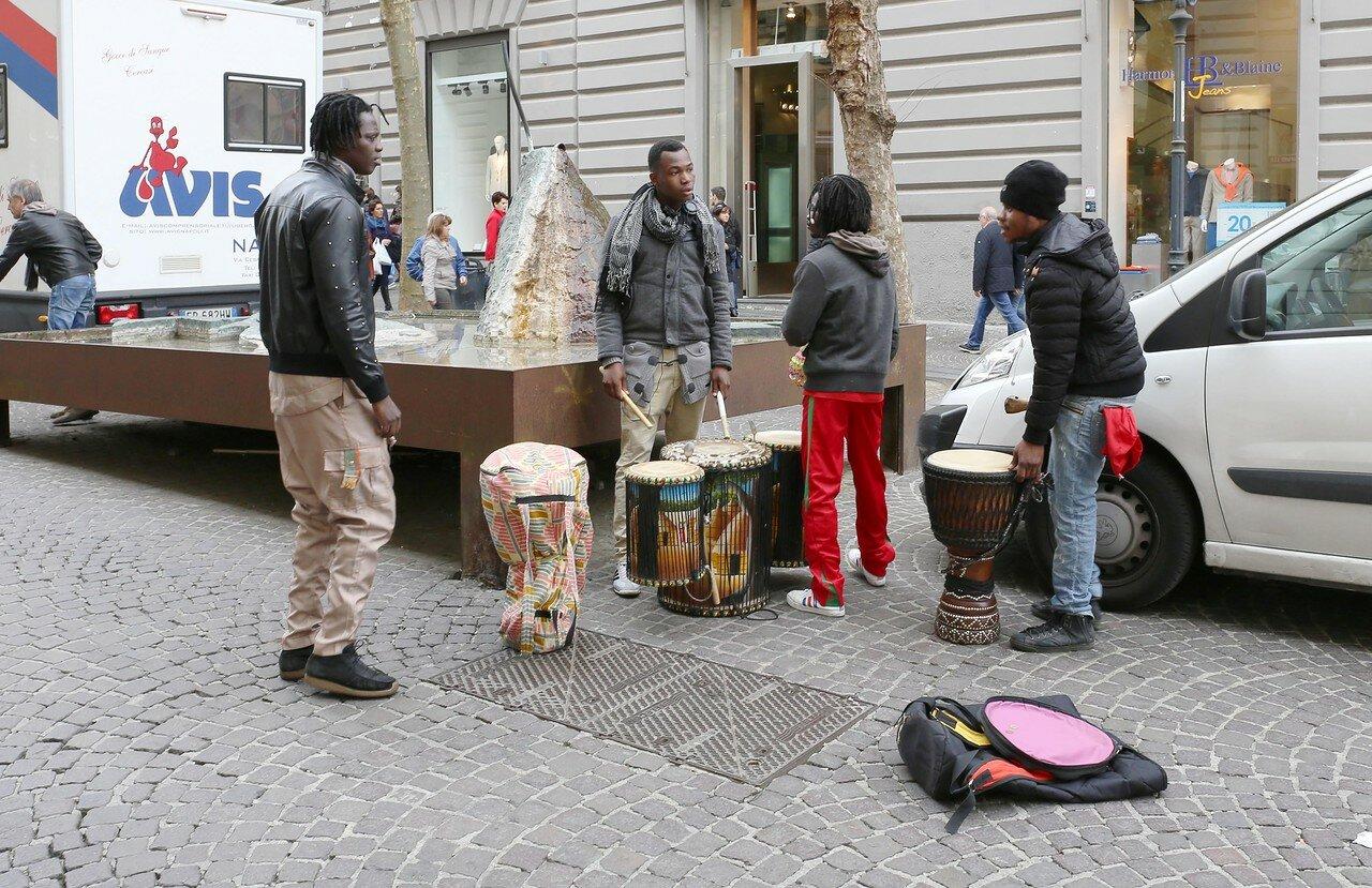 Naples, Vomero. Street musicians