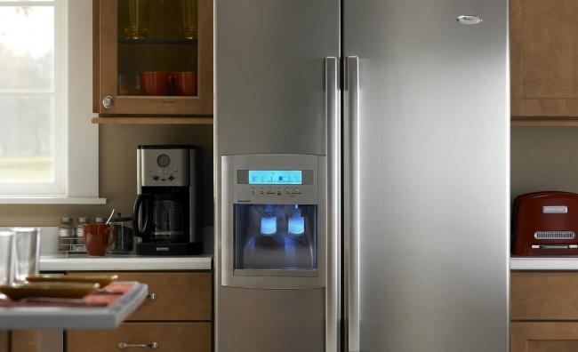 Холодильник тоже частенько нуждается втом, чтобы его привели впорядок. Продукты могут портиться, и