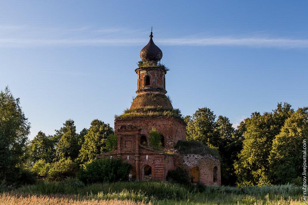 Церковь Троицы Живоначальной в Медведках