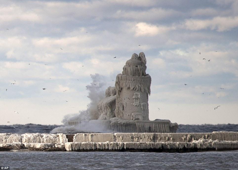 Заледеневшие маяки