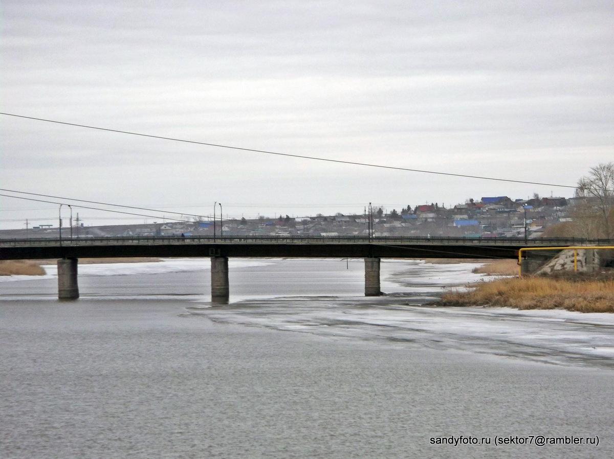 Река Увелька вскрылась (Троицк, Челябинская область)