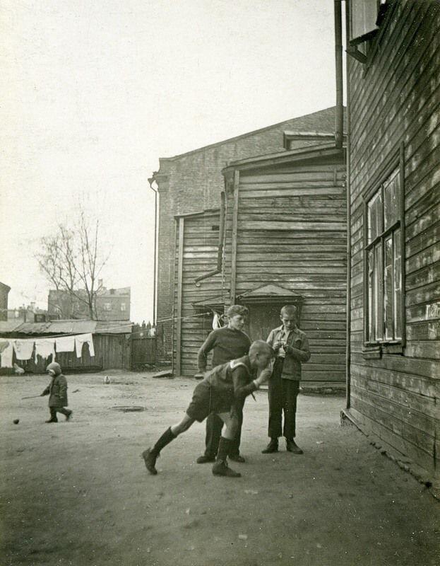 Московские дворы