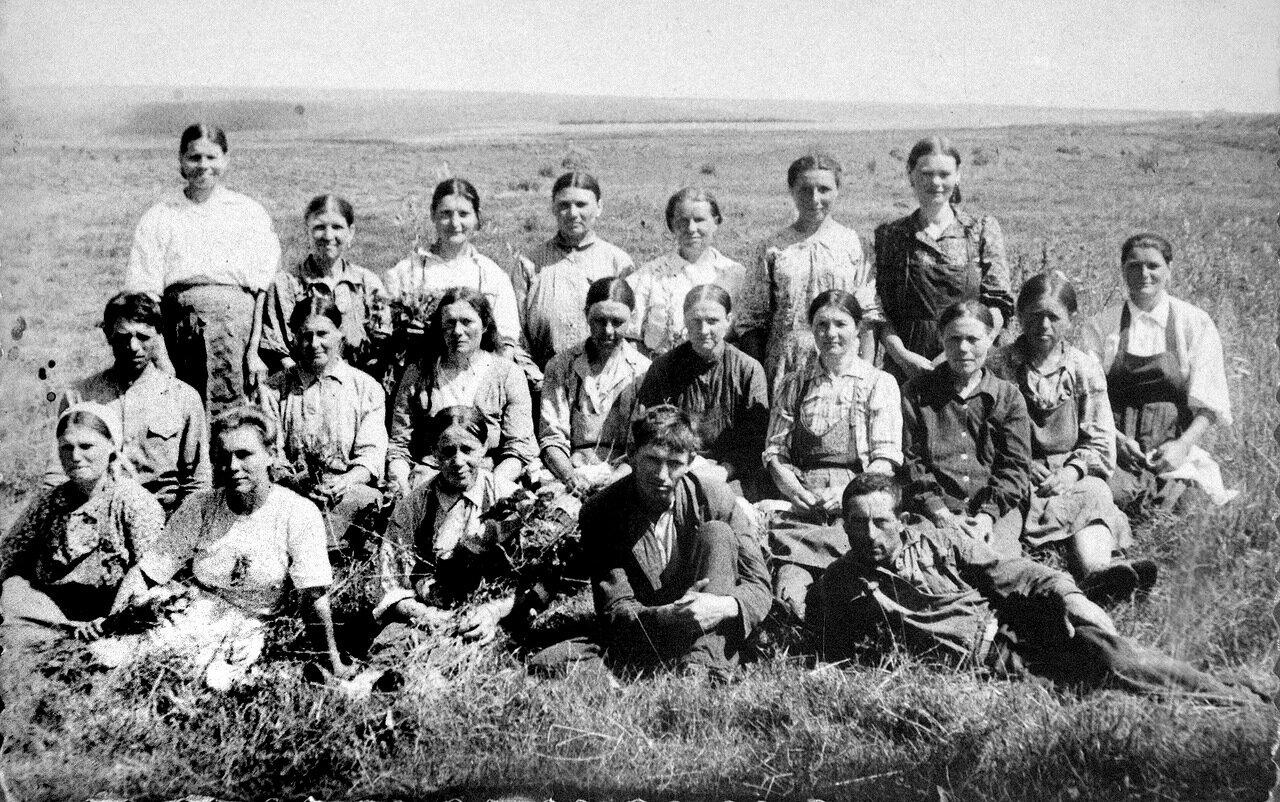 Полеводческая бригада.С.Ямская Слобода, Орловщина, 50-е годы