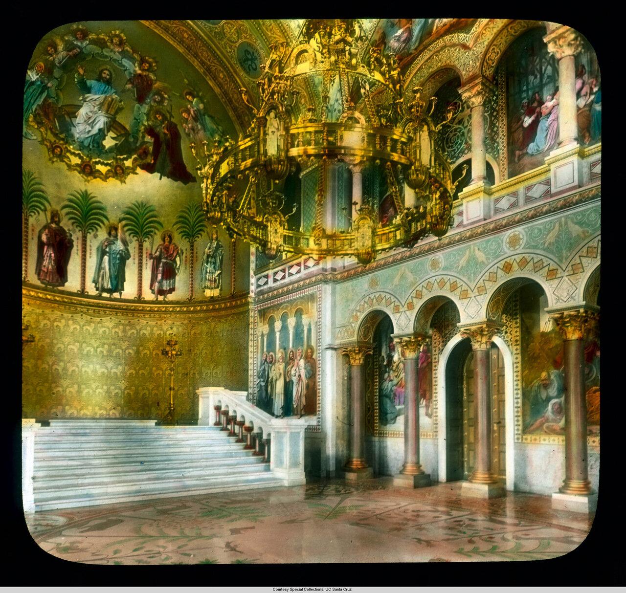 Бавария. Дворец Нойшванштайн. Тронный зал