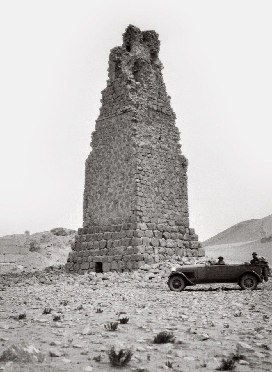 Самая высокая из башен-гробниц. Пальмира. Тадмор, Сирия. 1900-1920 гг.