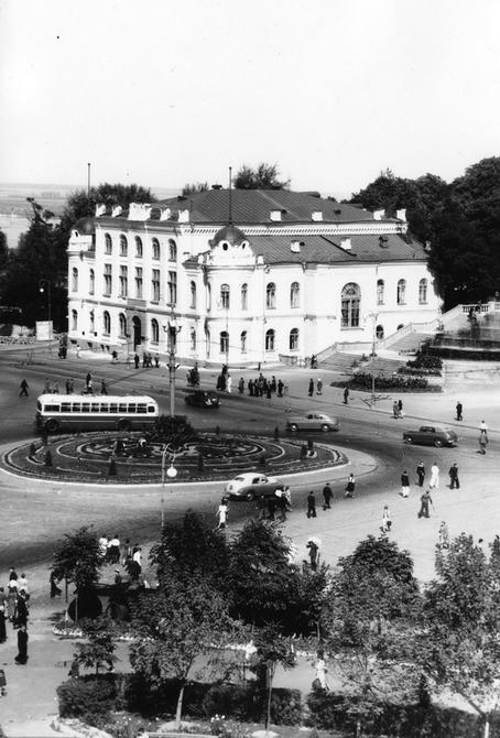 1952. Площадь Сталина (теперь Европейская площадь)