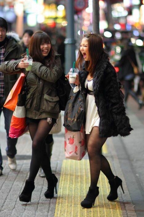 Жопастые девочки на улице фото 340-24