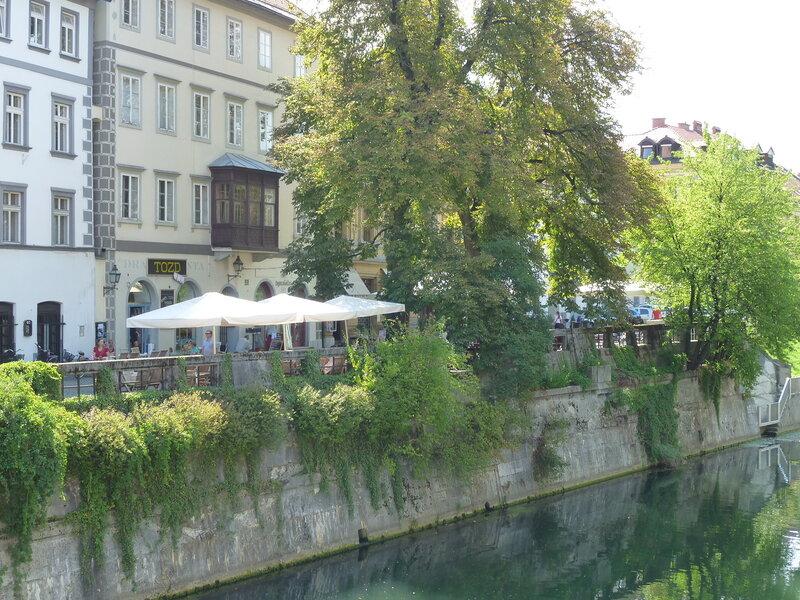 Кафешки на берегу Любляницы