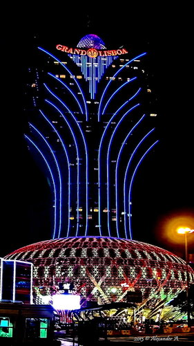 """Отель-казино """"Grand Lisboa"""". Макао (Аомынь), Китай"""