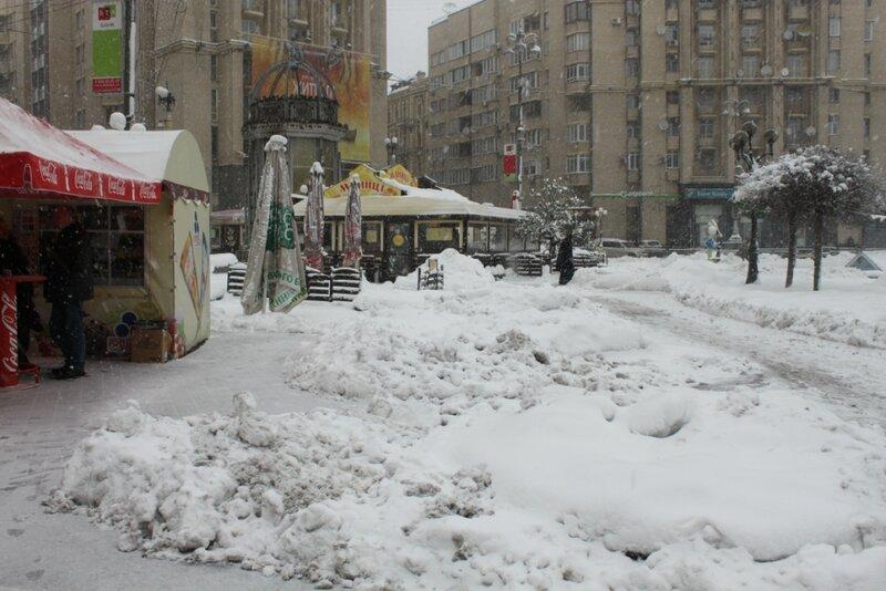 Снег на Майдане Незалежности
