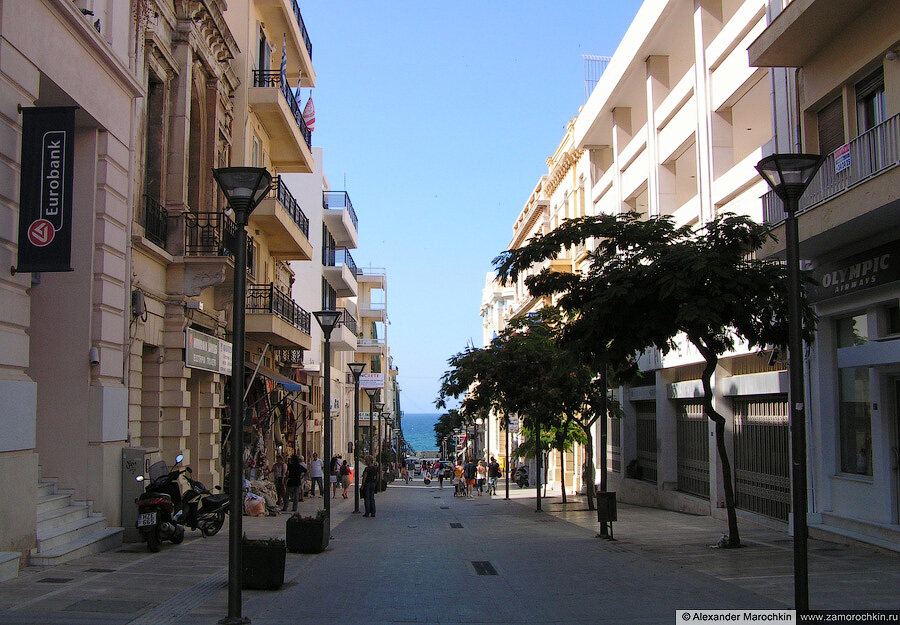 Улица 25-го августа в Ираклионе | August 25 street in Heraklion