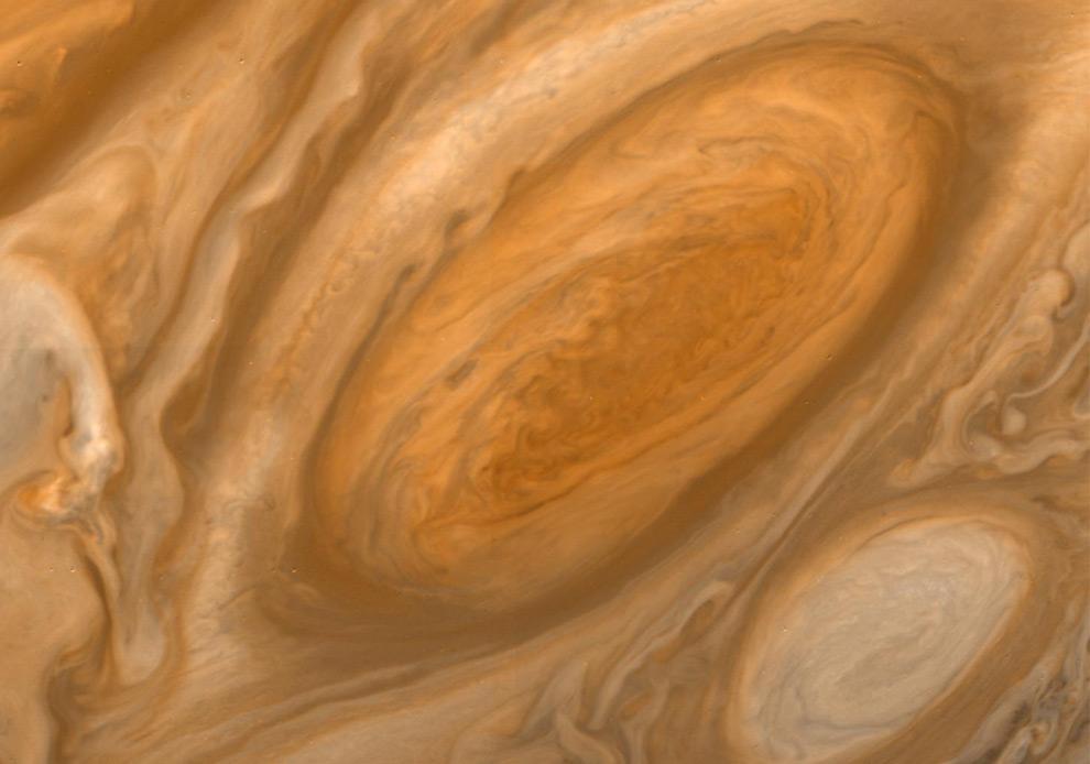 Самый большой ураган в Солнечной системе