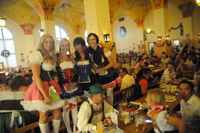 Пивной ресторан Хофбройхаус в Мюнхене
