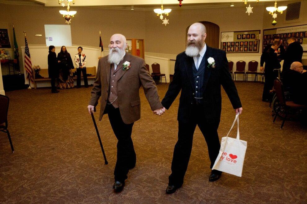 48-летний Рэнделл Шеперд и 56-летний Ларри Дункан перед церемонией бракосочетания
